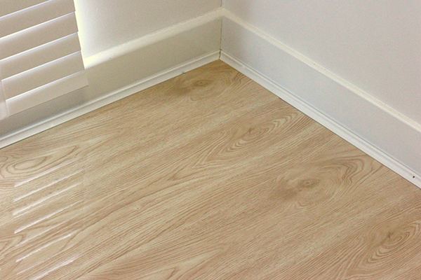 Extreme Gloss Natural Oak Laminate - 1002-05