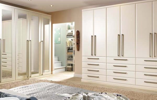 Classic Fitted Wardrobes 1014 -05
